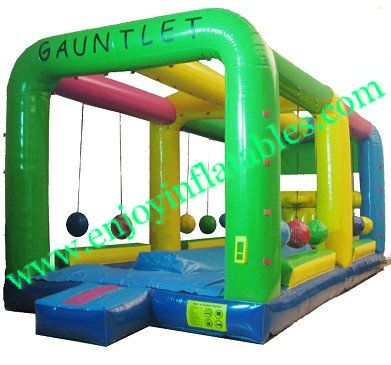 :YF-inflatable gauntlet game-25